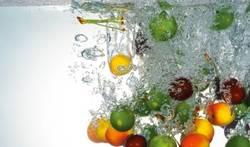 Здраве от природата кайсии, малини, авокадо, манго