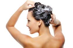Правилно миене на косата